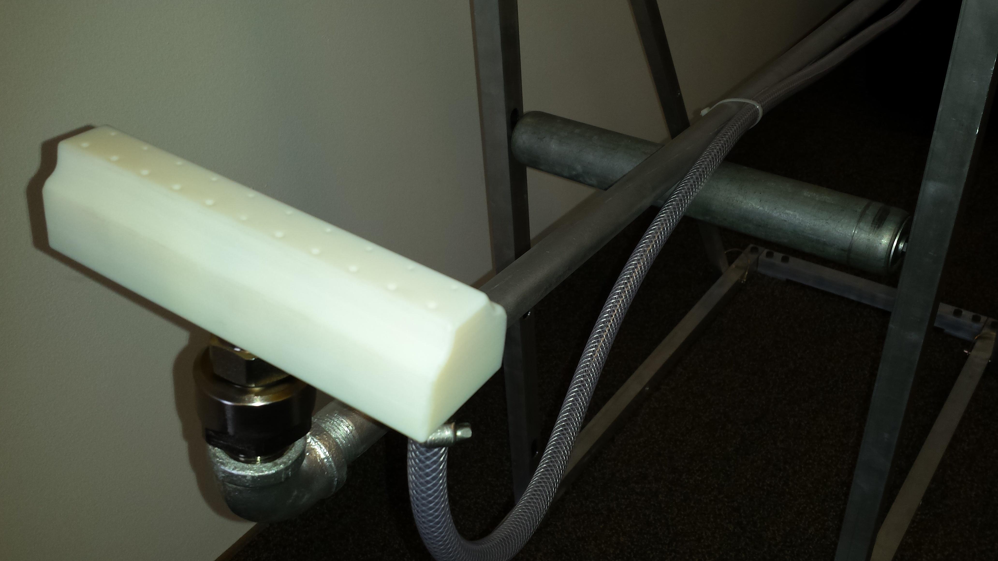 Hurricane wand and roller stand - 2.jpg
